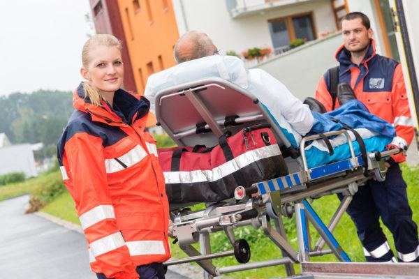 Rettungsassistent: Schlecht bezahlter Lebensretter?